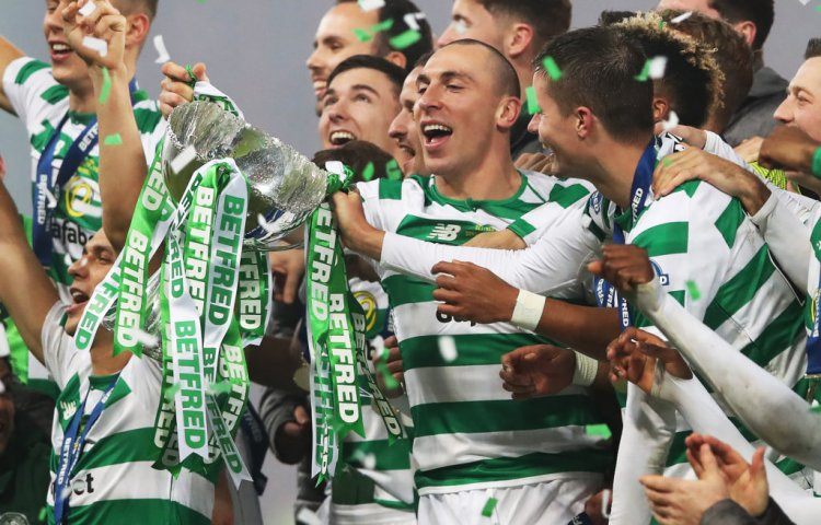 Chris Sutton left wondering about Celtic and their Scott Brown approach - 67 Hail Hail