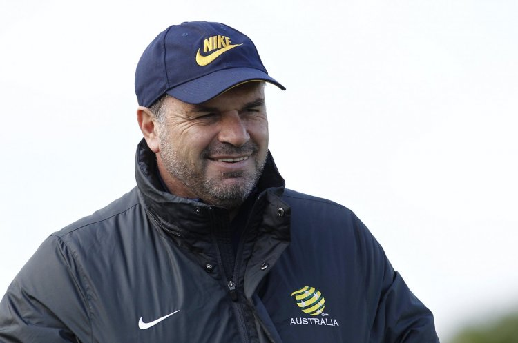 """""""A landmark move"""" - Outstanding homage paid to Postecoglou appointment as fan poll edges in favour of Ange"""